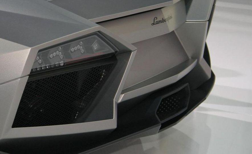 2010 Lamborghini Reventón roadster - Slide 27