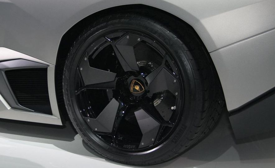 2010 Lamborghini Reventón roadster - Slide 28