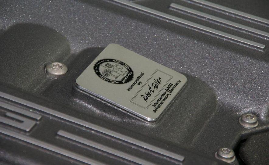 2011 Mercedes-Benz SLS AMG grille badge - Slide 9