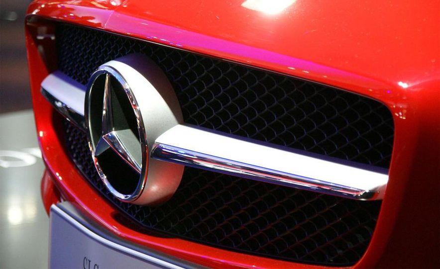 2011 Mercedes-Benz SLS AMG grille badge - Slide 22