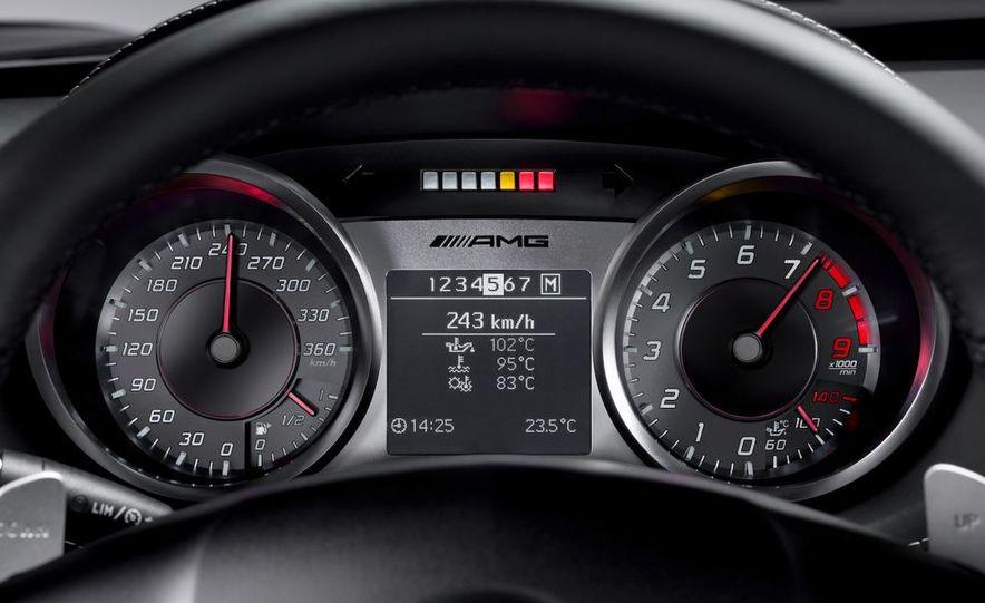 2011 Mercedes-Benz SLS AMG grille badge - Slide 45