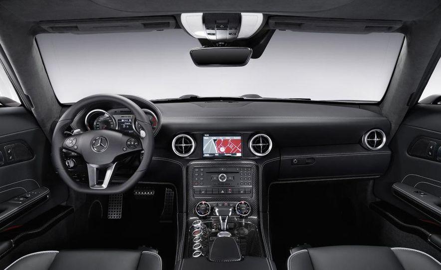 2011 Mercedes-Benz SLS AMG grille badge - Slide 34