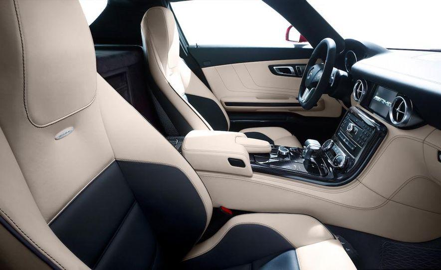 2011 Mercedes-Benz SLS AMG grille badge - Slide 65