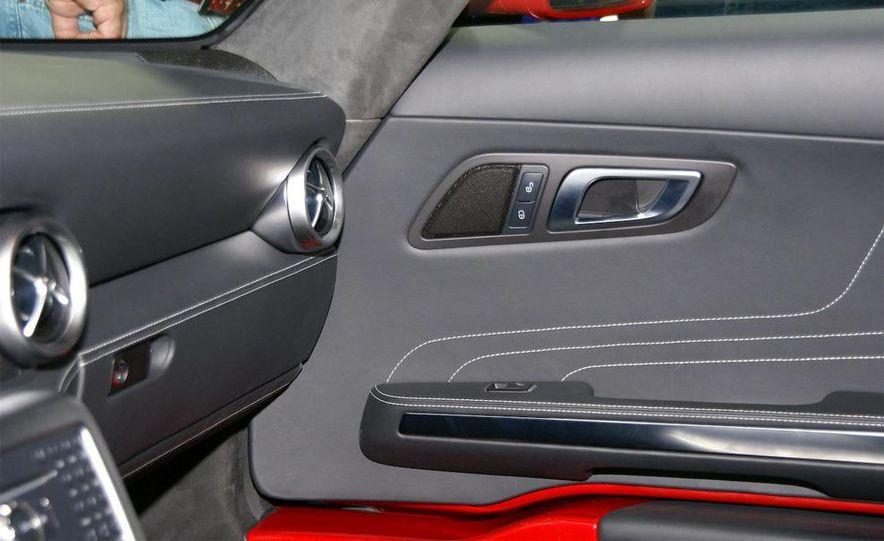 2011 Mercedes-Benz SLS AMG grille badge - Slide 31