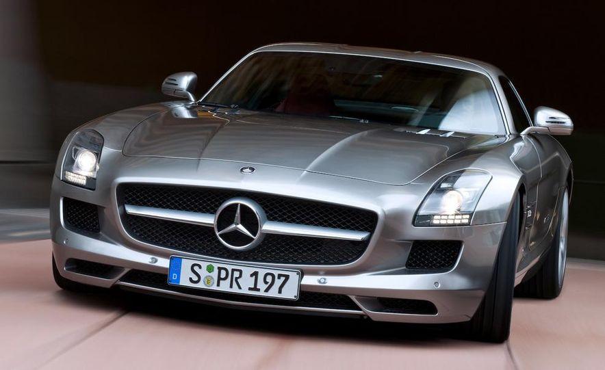 2011 Mercedes-Benz SLS AMG grille badge - Slide 50
