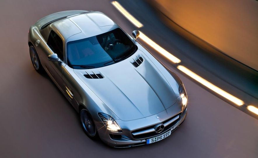 2011 Mercedes-Benz SLS AMG grille badge - Slide 53