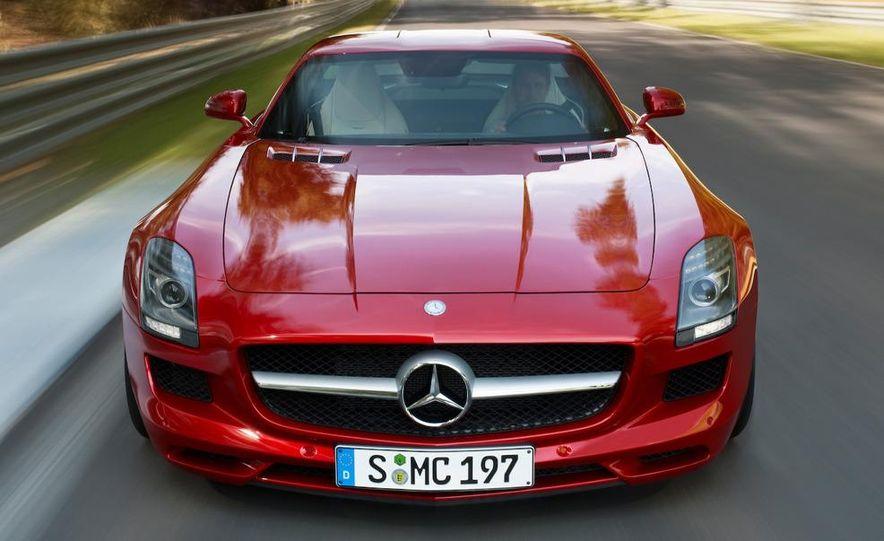 2011 Mercedes-Benz SLS AMG grille badge - Slide 55