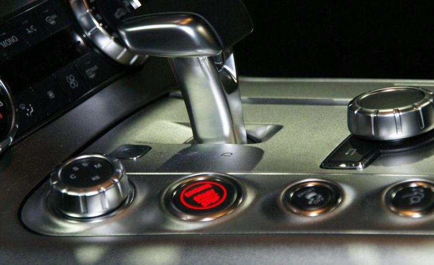 2011 Mercedes-Benz SLS AMG grille badge - Slide 30