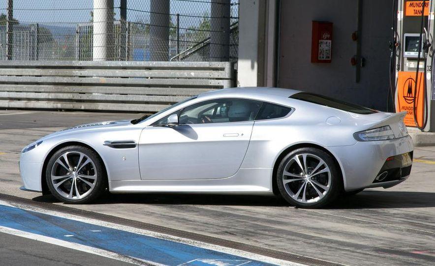 2010 Aston Martin V12 Vantage - Slide 1