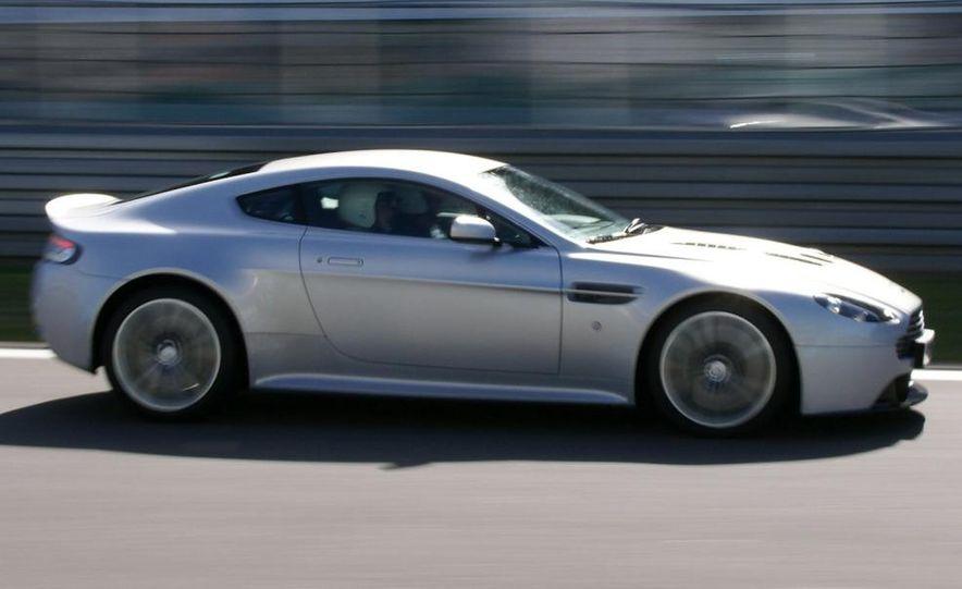 2010 Aston Martin V12 Vantage - Slide 3