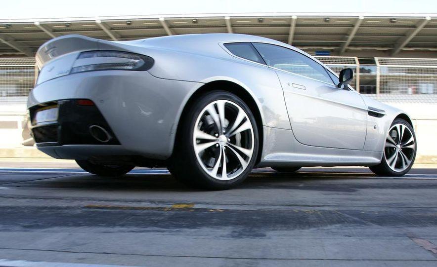 2010 Aston Martin V12 Vantage - Slide 12