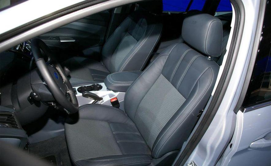 2012 Ford Grand C-Max - Slide 26