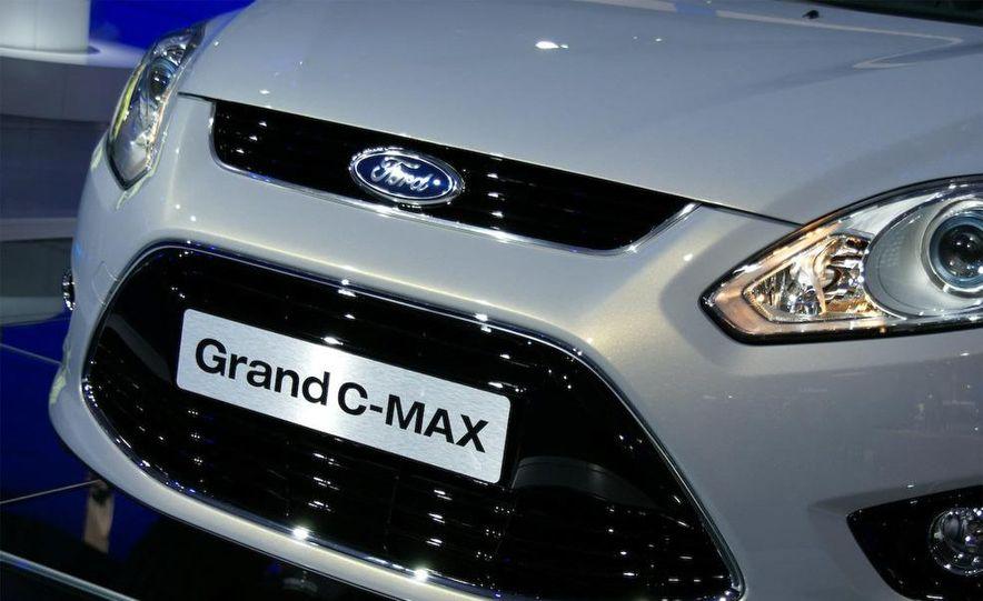 2012 Ford Grand C-Max - Slide 8