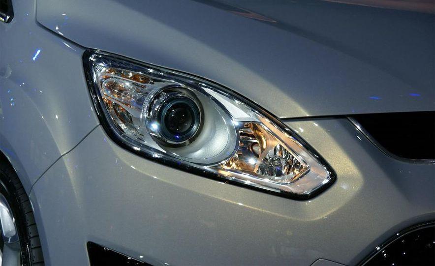 2012 Ford Grand C-Max - Slide 11