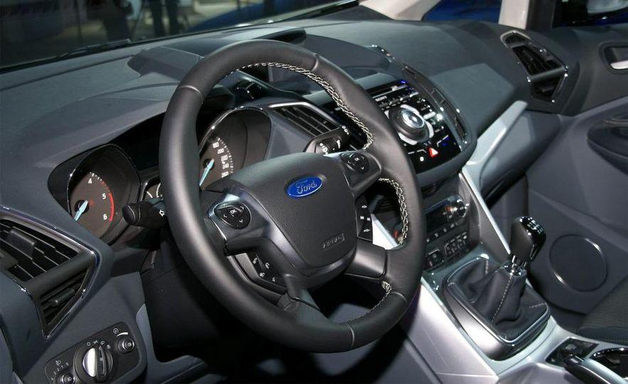 2012 Ford Grand C-Max - Slide 24