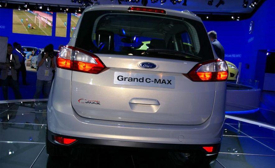 2012 Ford Grand C-Max - Slide 16