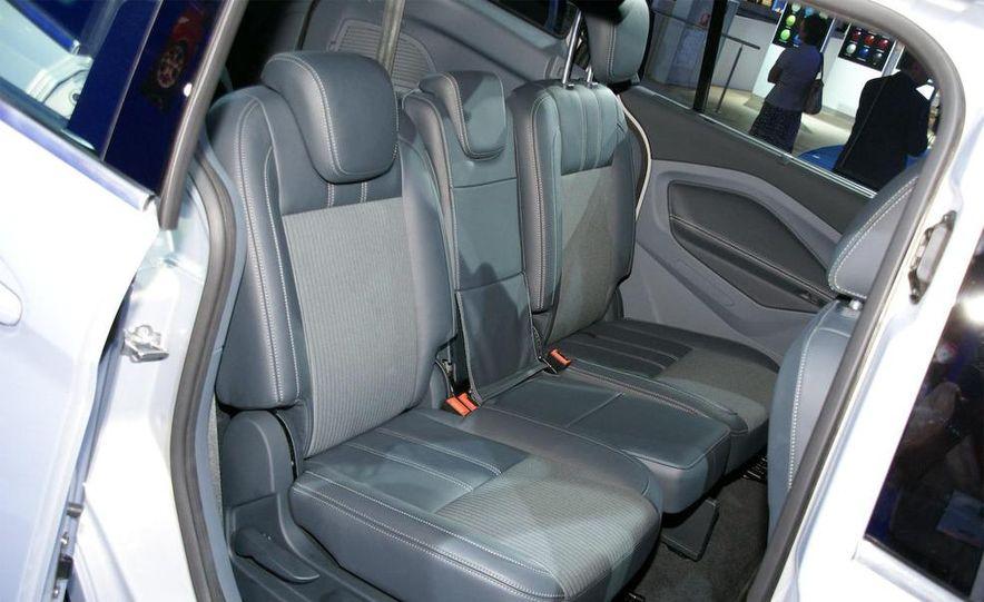 2012 Ford Grand C-Max - Slide 19