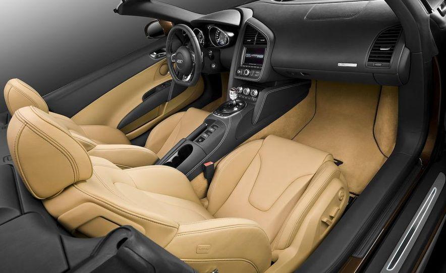 2011 Audi R8 5.2 V-10 FSI Quattro Spyder - Slide 43