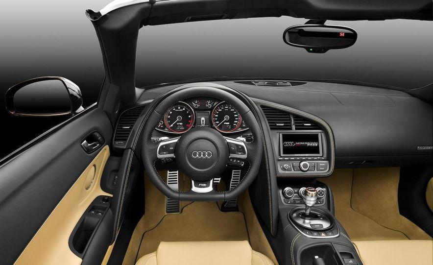 2011 Audi R8 5.2 V-10 FSI Quattro Spyder - Slide 44