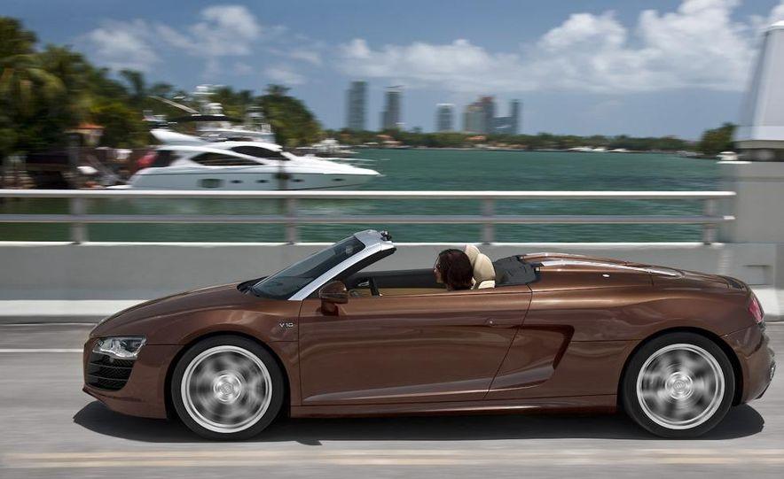 2011 Audi R8 5.2 V-10 FSI Quattro Spyder - Slide 37
