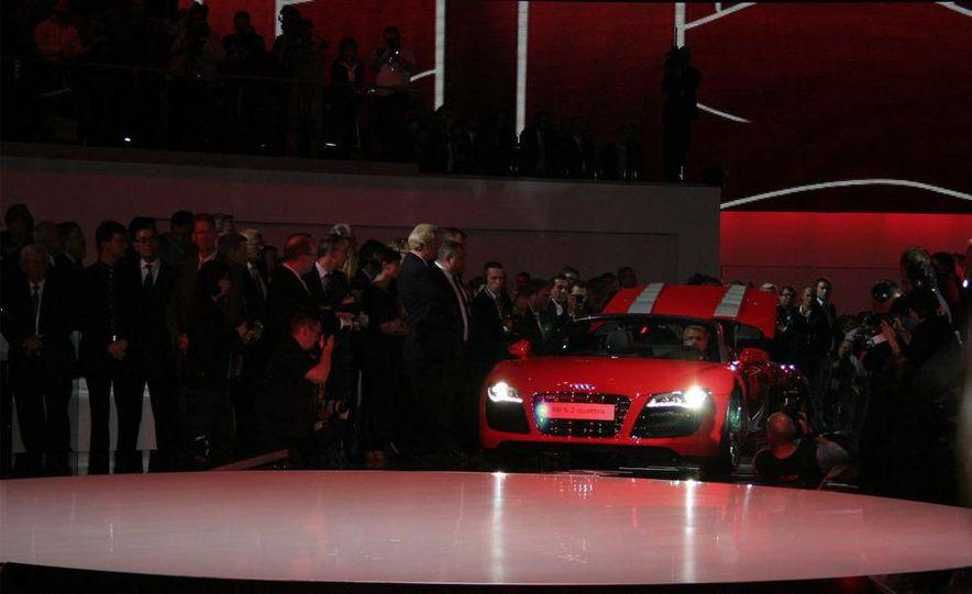 2011 Audi R8 5.2 V-10 FSI Quattro Spyder - Slide 1