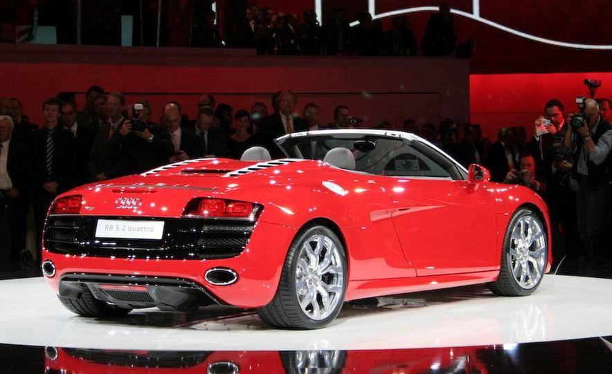 2011 Audi R8 5.2 V-10 FSI Quattro Spyder - Slide 10