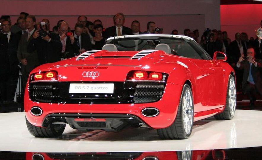 2011 Audi R8 5.2 V-10 FSI Quattro Spyder - Slide 11