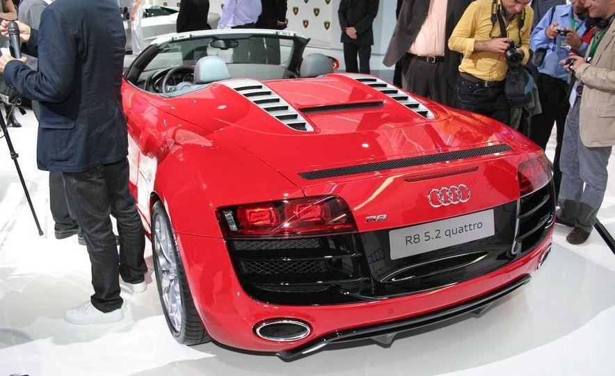 2011 Audi R8 5.2 V-10 FSI Quattro Spyder - Slide 33