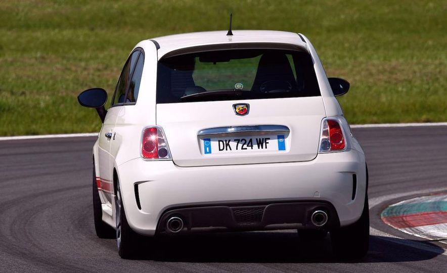 2010 Fiat 500 Abarth 695 Tributo Ferrari - Slide 44