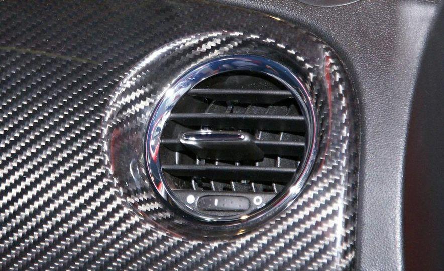 2010 Fiat 500 Abarth 695 Tributo Ferrari - Slide 21