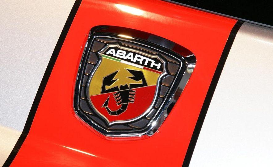 2010 Fiat 500 Abarth 695 Tributo Ferrari - Slide 10