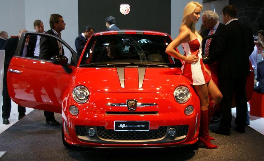 2010 Fiat 500 Abarth 695 Tributo Ferrari - Slide 1