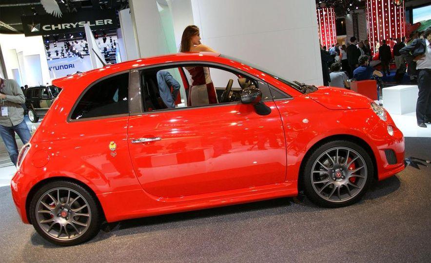 2010 Fiat 500 Abarth 695 Tributo Ferrari - Slide 4