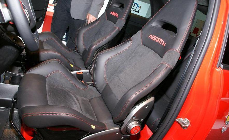2010 Fiat 500 Abarth 695 Tributo Ferrari - Slide 22