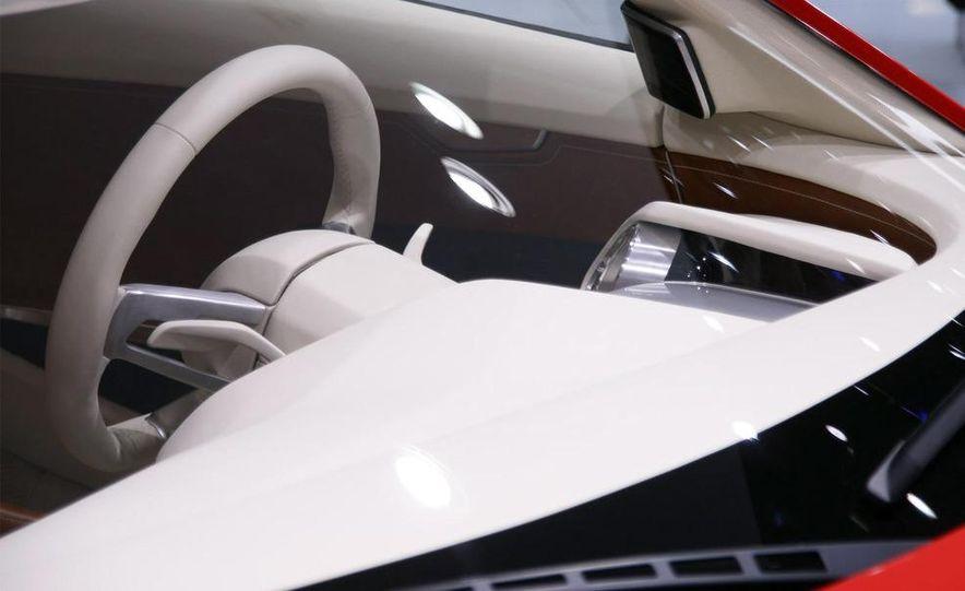 Audi E-Tron concept LED headlight - Slide 17