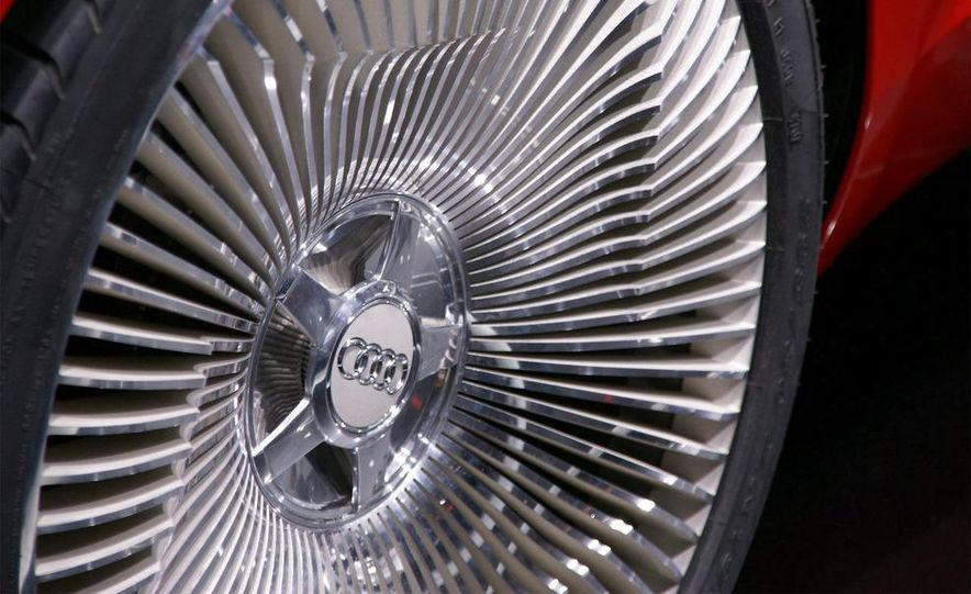 Audi E-Tron concept LED headlight - Slide 10