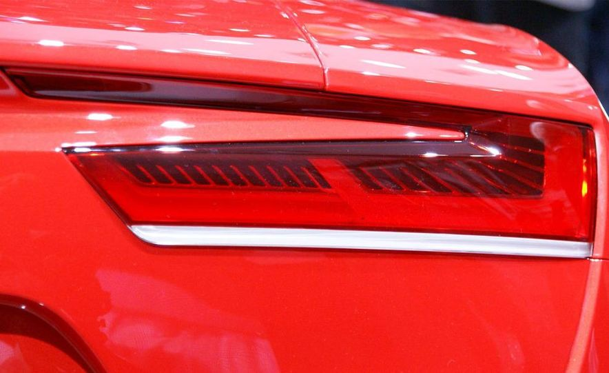 Audi E-Tron concept LED headlight - Slide 6