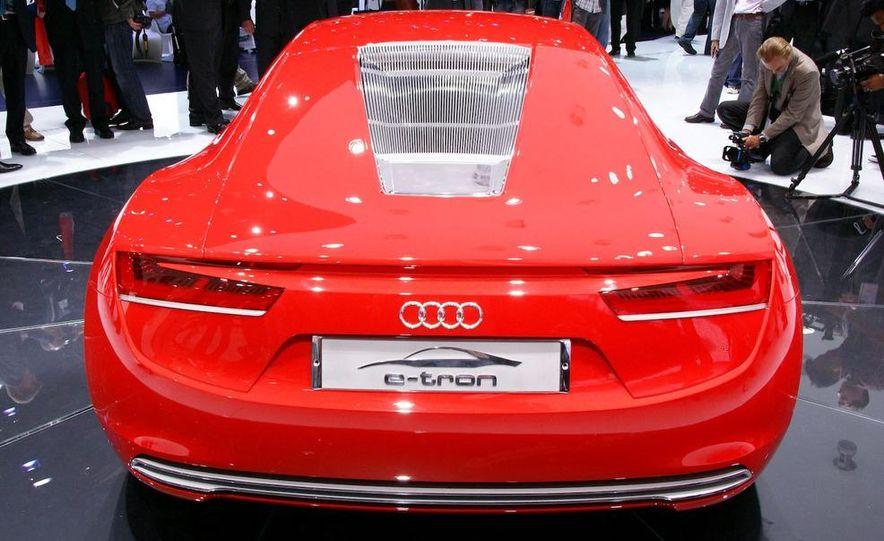 Audi E-Tron concept LED headlight - Slide 3