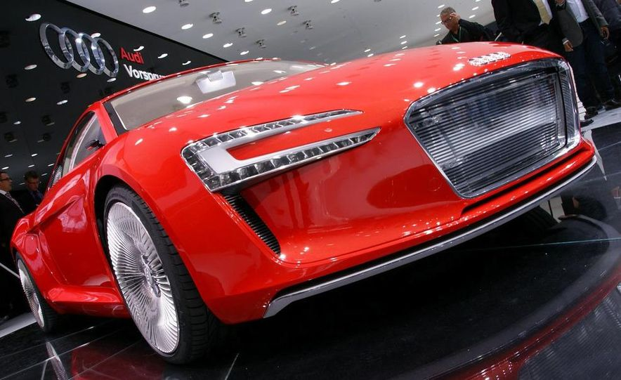 Audi E-Tron concept LED headlight - Slide 22