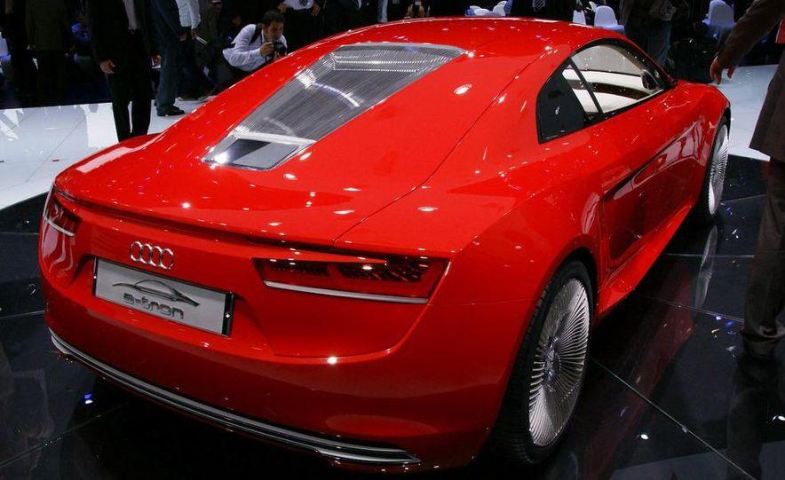 Audi E-Tron concept LED headlight - Slide 24
