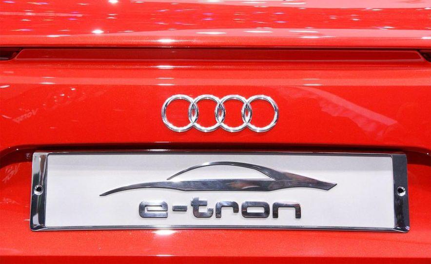 Audi E-Tron concept LED headlight - Slide 5