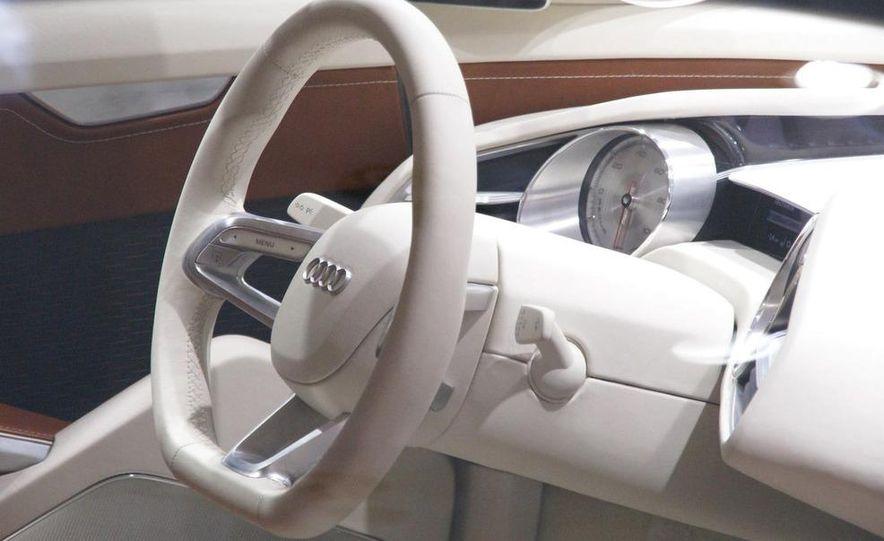 Audi E-Tron concept LED headlight - Slide 9
