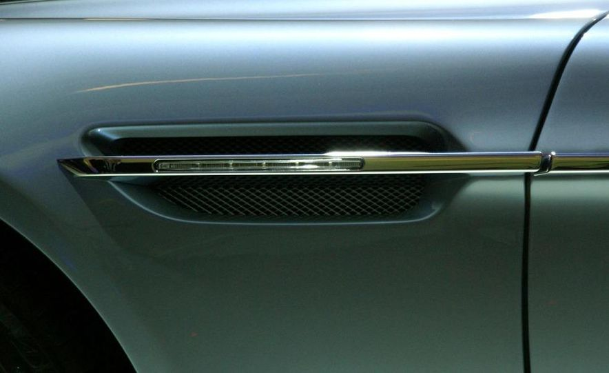 2011 Aston Martin Rapide - Slide 26