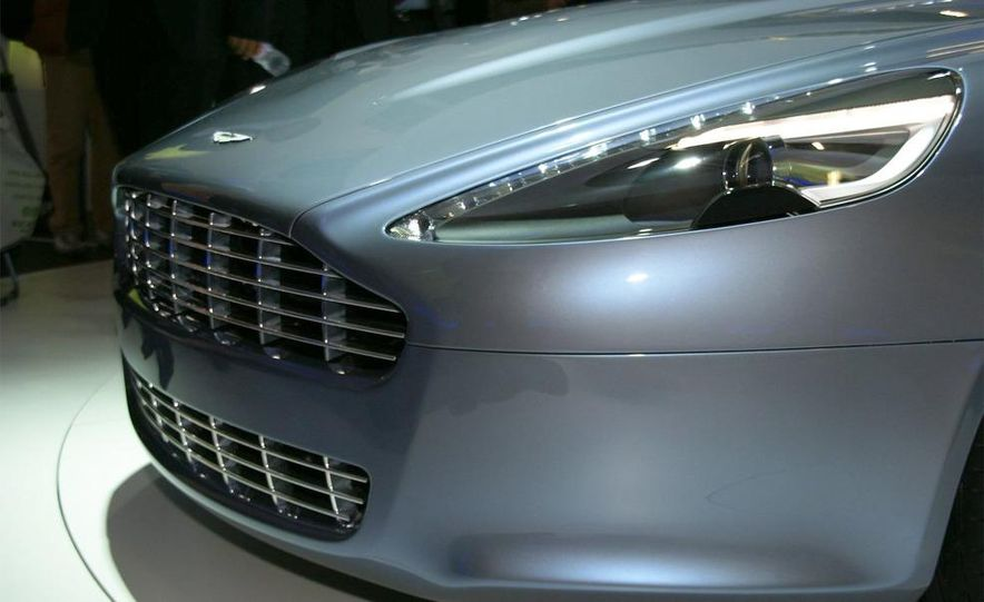 2011 Aston Martin Rapide - Slide 16