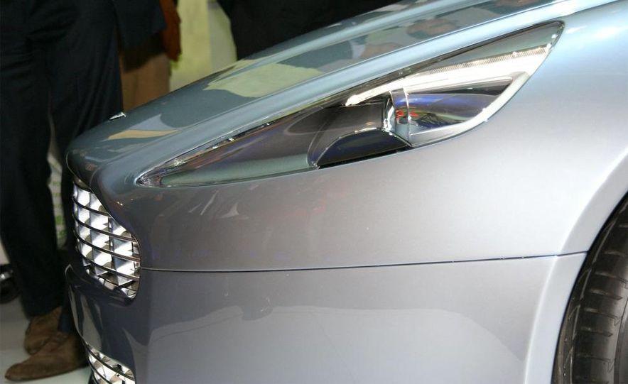 2011 Aston Martin Rapide - Slide 23