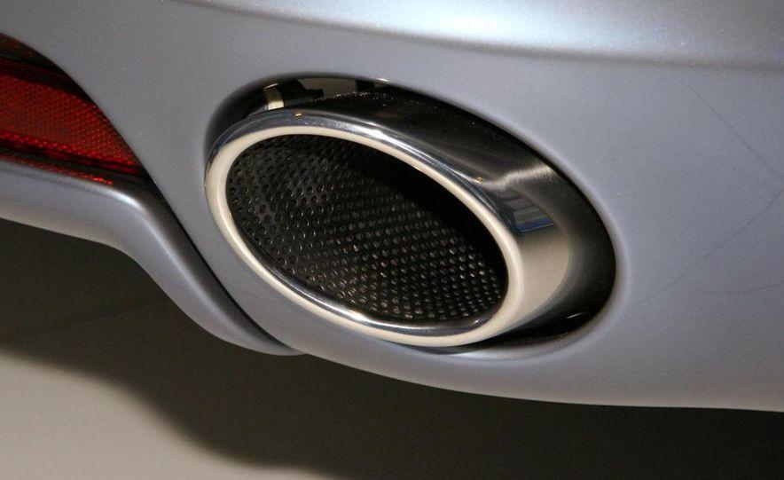 2011 Aston Martin Rapide - Slide 14