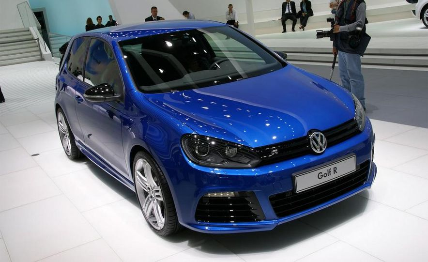 2010 Volkswagen Golf R - Slide 1