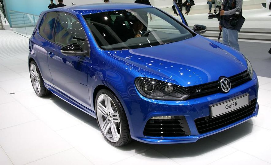 2010 Volkswagen Golf R - Slide 2