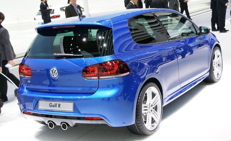2010 Volkswagen Golf R - Slide 6