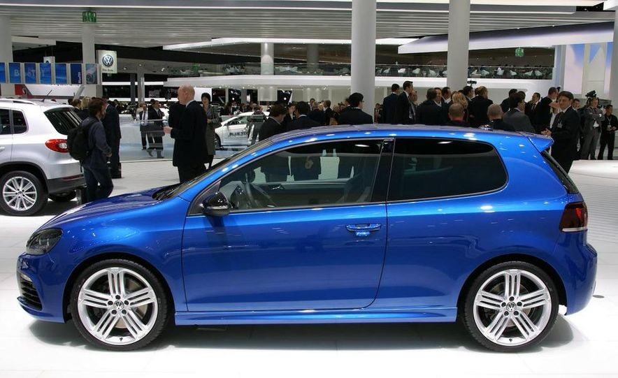 2010 Volkswagen Golf R - Slide 4